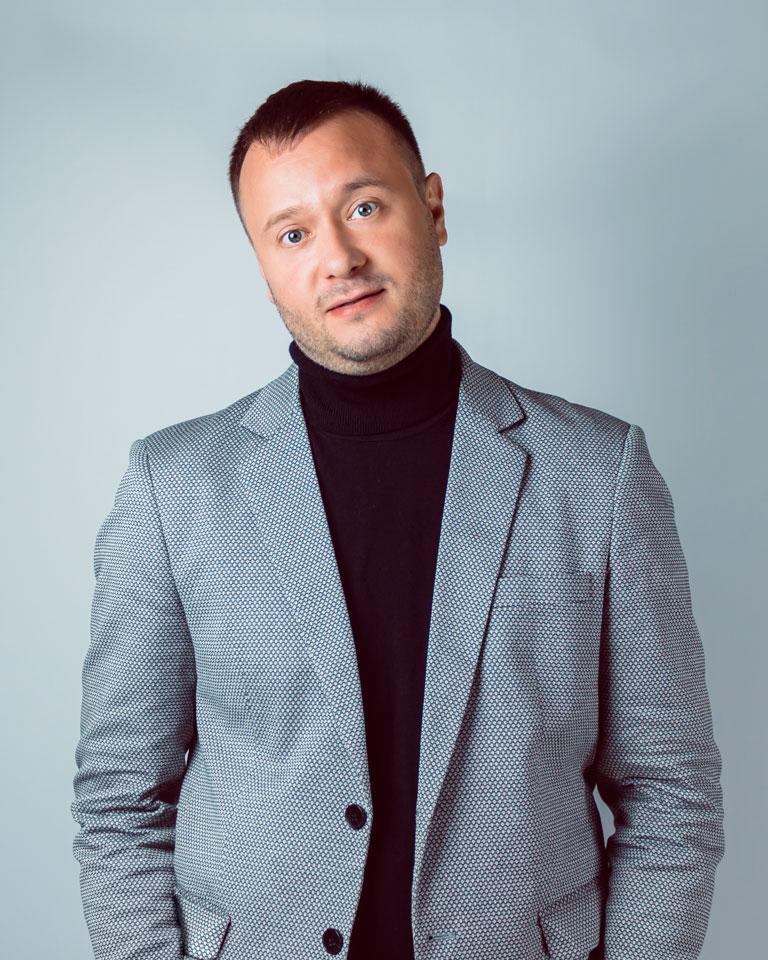 ведущий Алексей Рай